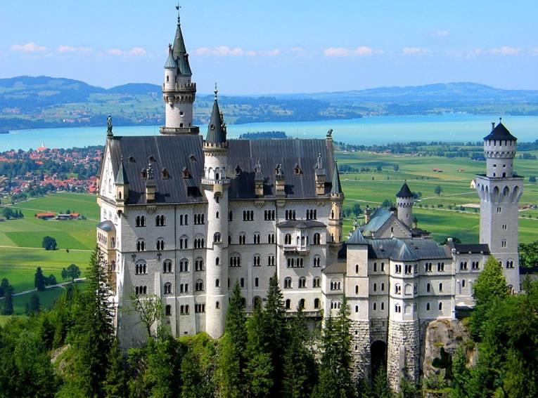 Le chateau de la belle au bois dormant allemagne chateau u montellier - Chateau la belle au bois dormant ...