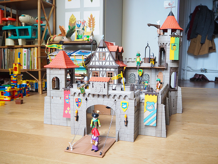 Jouet playmobil chateau fort