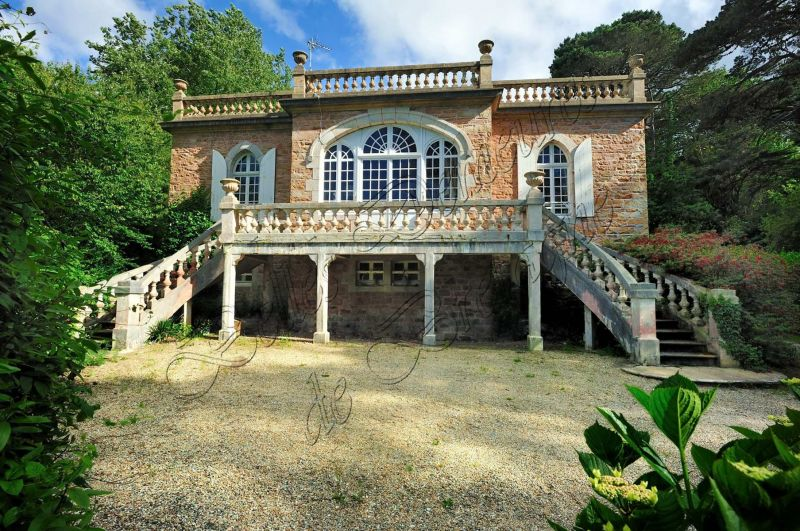 Belle demeures chateaux chateau u montellier for Immo belles demeures
