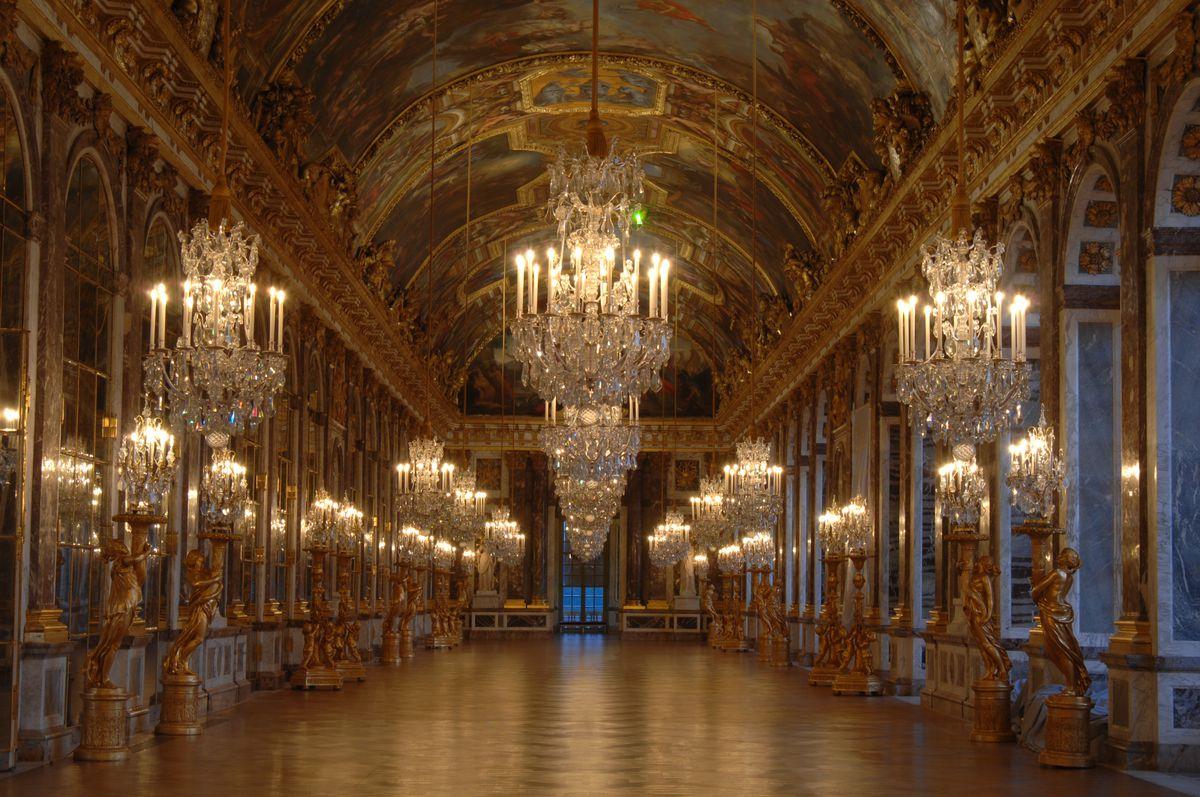 Combien de chambre au chateau de versailles