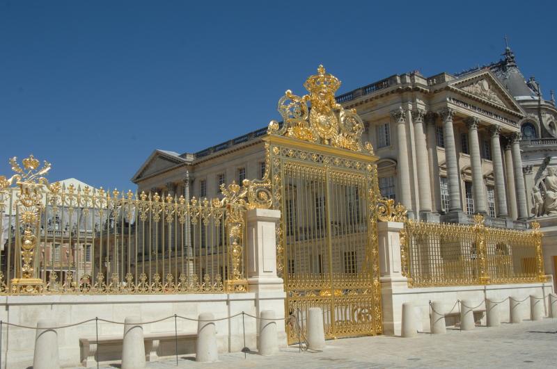 Portail De Versailles Chateau U Montellier