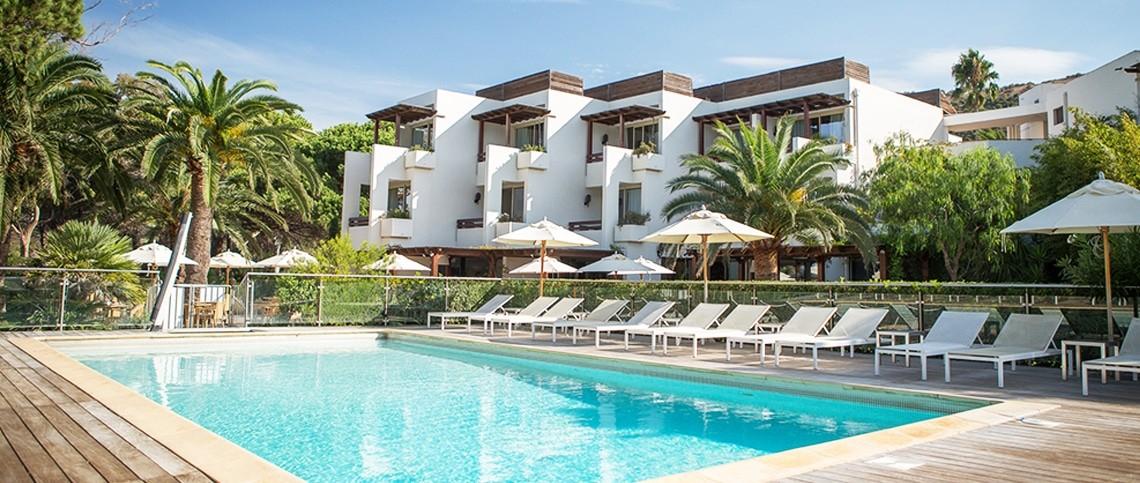 Hotel En Bourgogne Avec Piscine Chateau U Montellier