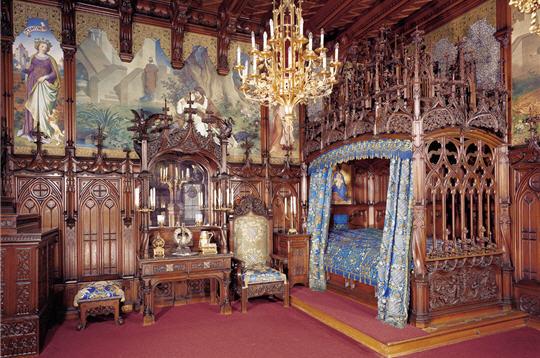 Chambre dans le château de la belle au bois dormant