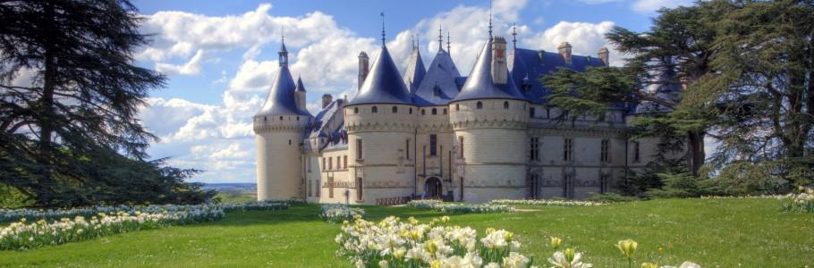 Chateau a cote de tours